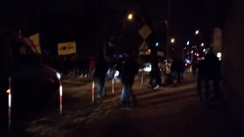 Mało kodomitow i ubywateli rp blokuje Marsz Żołnierzy Wyklętych