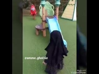 hidjab yash tanlamaydi