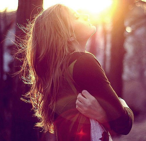 ЛЮБОМУ сердцу хочется ВЕСНЫ, уютного и нежного заката. Одной, но общей с кем-то...
