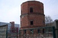 09 мая 2011 - Водонапорная башня на улице Жилина в Тольятти. Сносят медленно