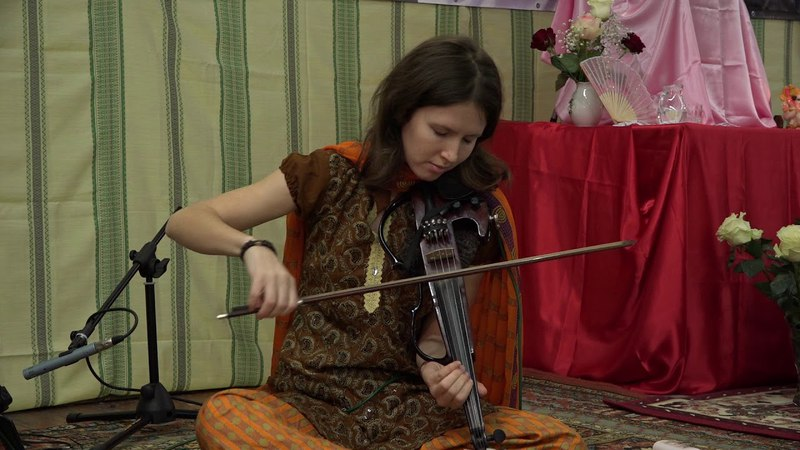Raga Bageshri. Nastya Saraswati - violin, Denis Kucherov - tabla. St. Petersburg. January 4th, 2015