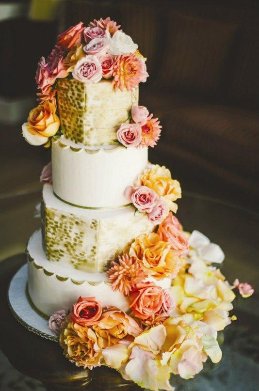 x0xroux6yZk - Золотые и серебряные свадебные торты 2016 (70 фото)