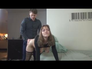 Сынок отодрал с наслаждением свою мамку. Сын и мама творят инцест, пока папа ушёл на работу. Incest, секс и большие сиськи