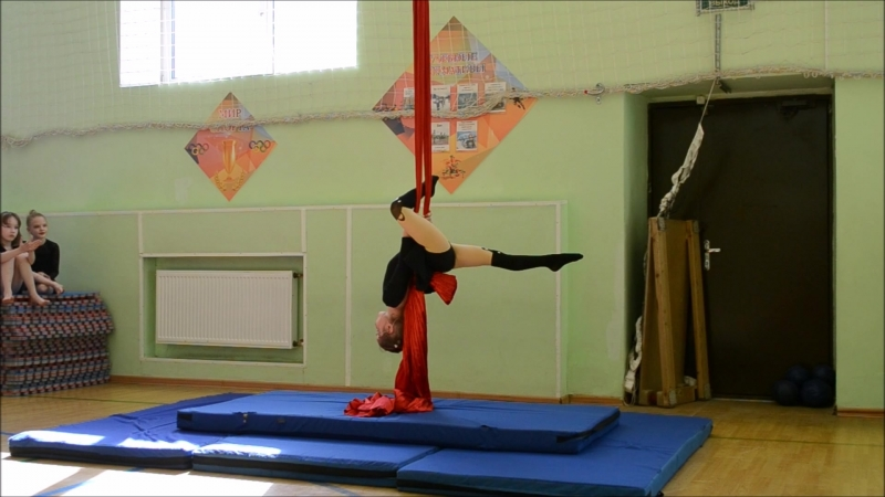 Ксюша Васильева 5 месяцев занятий воздушной гимнастикой