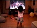 Baby Shakira fan dancing like Shakira