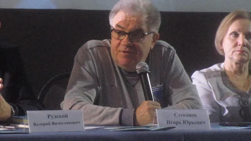 Директор Гильдии кинорежиссеров России продюсер и художественный руководитель фестиваля Сталкер Игорь Степанов