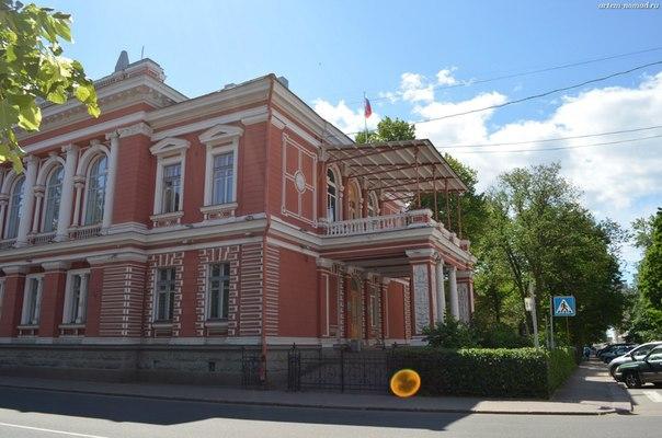 Здание городского совета депутатов