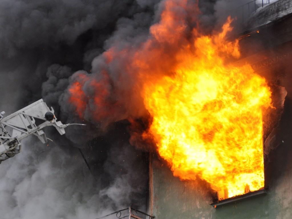 В Петровском районе Донецка горел дом есть погибшие