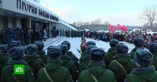 В годовщину прорыва блокады Ленинграда на Дворцовой площади появился танк КВ-1