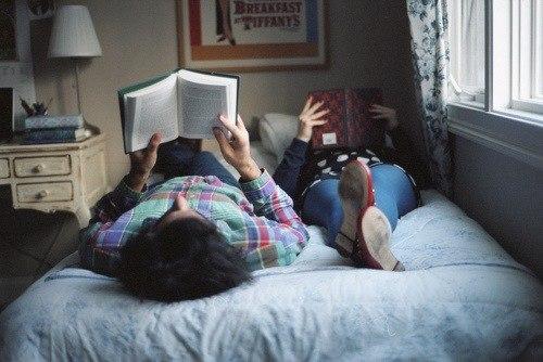 А какие книги Вы сейчас читаете?