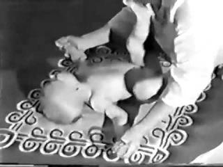 Детский массаж в возрасте 6-10 месяцев