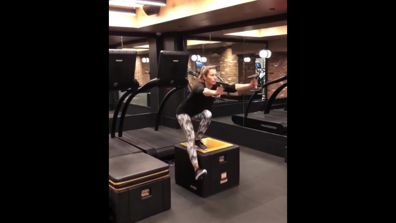 Jessica Claire Timberlake. Pistol squat