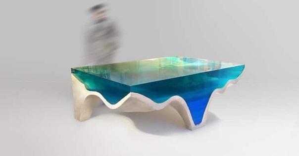 Дизайнер и скульптор Эдуард Локота (Eduard Locota известен далеко за пределами его родной Румынии. Основанная им одноименная студия выпускает великолепные эпоксидные предметы ручной работы,