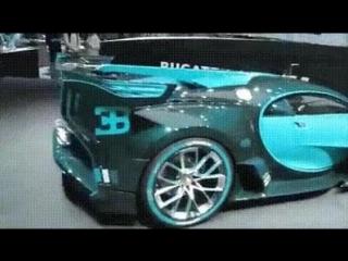 Bugatti, меняющая цвет.