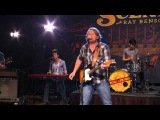 William Clark Green Performs on The Texas Music Scene