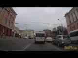 Проезд на красный Fiat Ducato м774оо32. г.Брянск, проспект Ленина, 18. Дата и время на видеозаписи соответствуют реальным.
