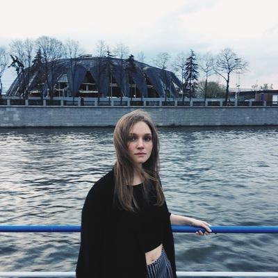 Маша Стрельникова