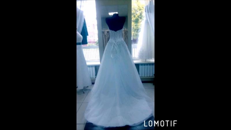 Лайк❤️ Шикарное Свадебное платье со шлейфом, декольте все расшитое вручную, все переливается. Свадебный салон Каприз 👸🎀г.Горно-А
