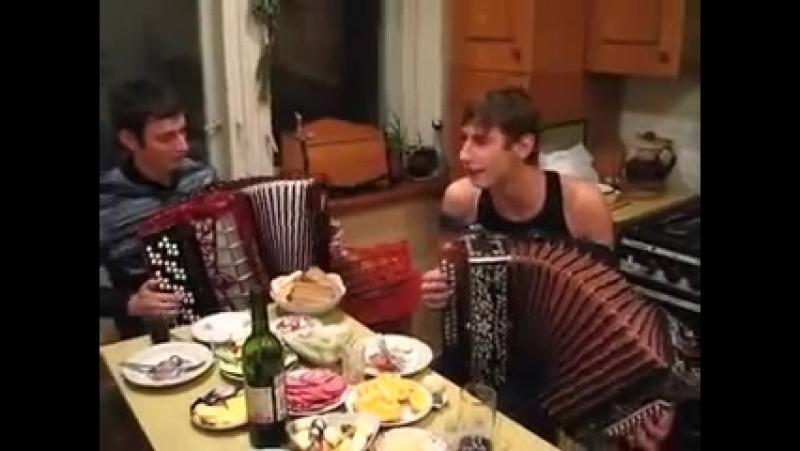 Алексей Симонов Гармонист Александр Васин Баянист Галина
