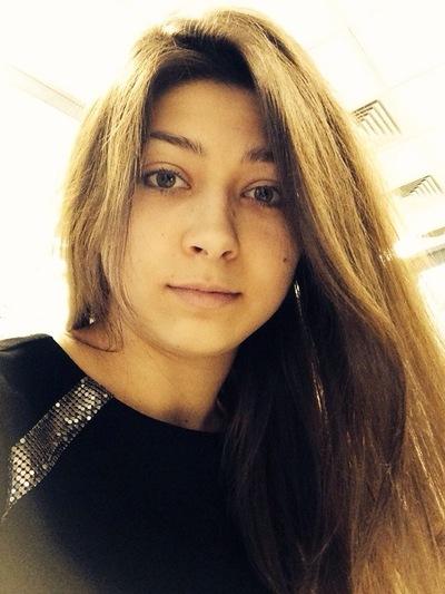 Александра Лучинина