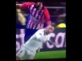 Diego Costa accidentally kicking Sergio Ramos in the head