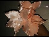 DIY Лилияцветок на шпильке из атласных лент своими руками.