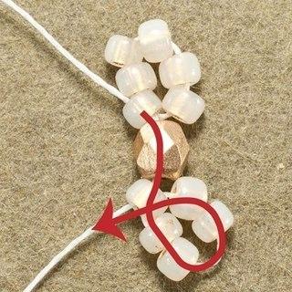 Вот пошаговая схемка плетения снежинок для серёжек.  Снежинки готовы.  Осталось только прикрепить их к фурнитуре.