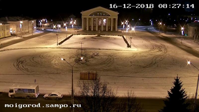 Сборка новогодней ели в Петрозаводске - 3 дня за 2 минуты