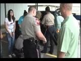 Суд и отправка на трое суток в тюрьму техасских прогульщиц.