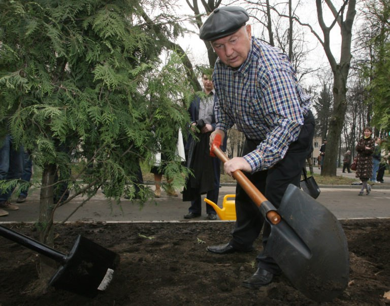 Юрий Лужков: Чтобы вернуть земли в оборот, нужны серьезные средства