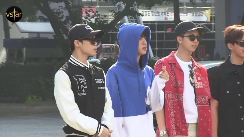 180601 По пути на Music Bank @ Vstar