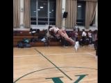 Девочки прыгают ого-го!