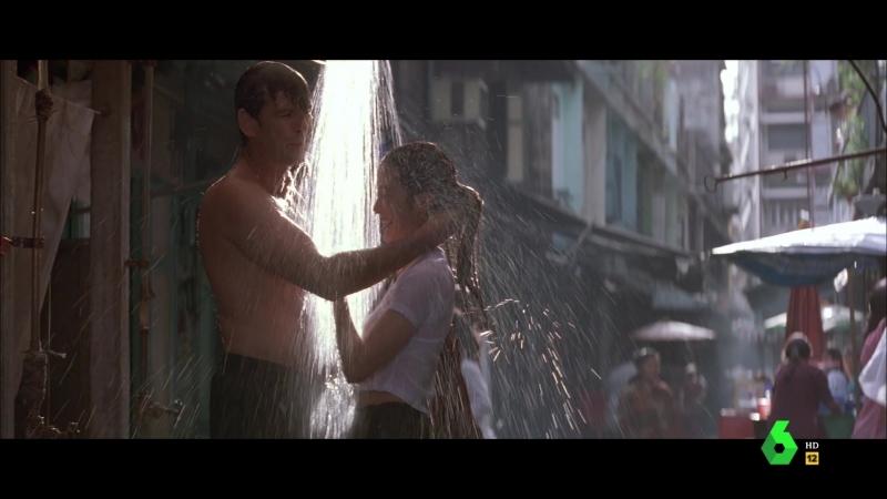 El mañana nunca muere (1997) Tomorrow Never Dies sexy escene 05 Michelle Yeoh