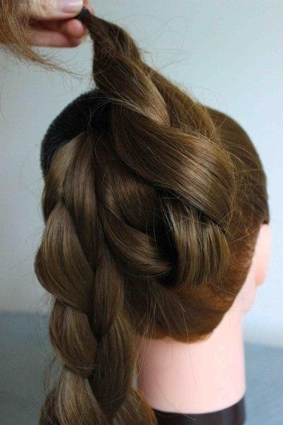 Простая причёска на длинные волосы