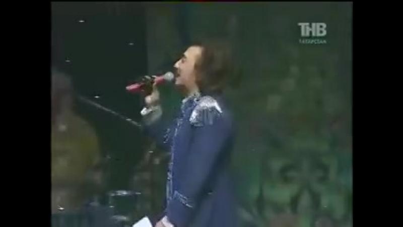 Узбек поёт на татарском