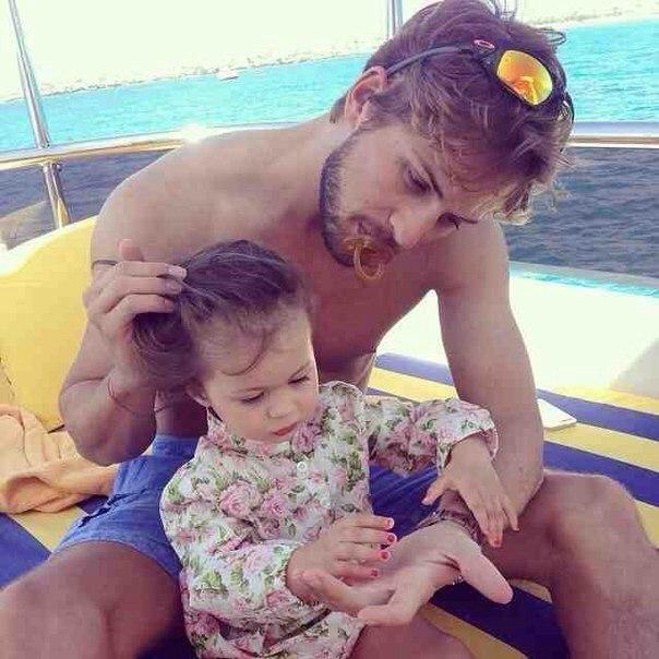 Виктория боня. фото с ребенком