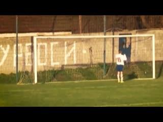Промах сербского футболиста, жесть!