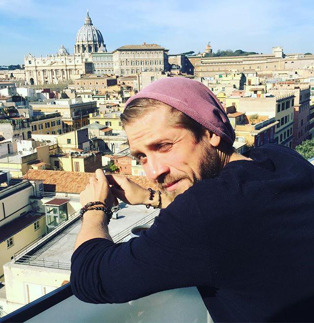 Роман Маякин: Доброе утро ☀️ ну что итальянцы мои ,рассказывайте кто был ? И делитесь крутыми , не туристическими местами которые стоит посетить ! Всем добра 🙏#маякин #актер  #римскиеканикулы