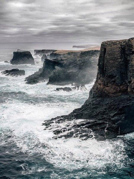 Так выглядит одиночество в настоящем маяке посреди Северной Атлантики.