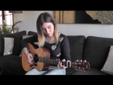 Очень красиво играет на гитаре. Gabriella Quevedo