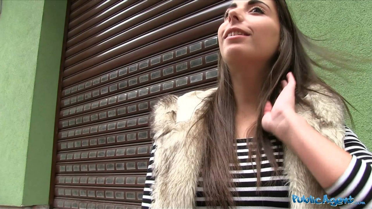 PublicAgent: Carla (Фитоняшку сняли и трахнули в отеле)