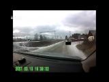 Псих из Кедровки, зарезавший двух женщин, попал на видео