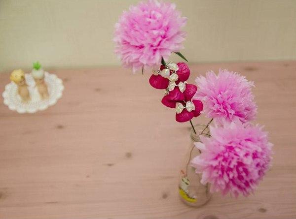 Цветы из конфет и гофрированной бумаги… (8 фото) - картинка