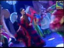Sanaya performing with Aamir on the song Udi at the Gr8 Women Achiever Awards 2012 SanayaIrani AamirAli
