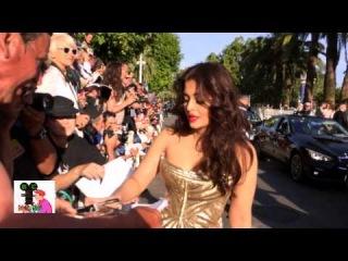 Aishwarya Rai signing autographs at Cannes Red Carpet