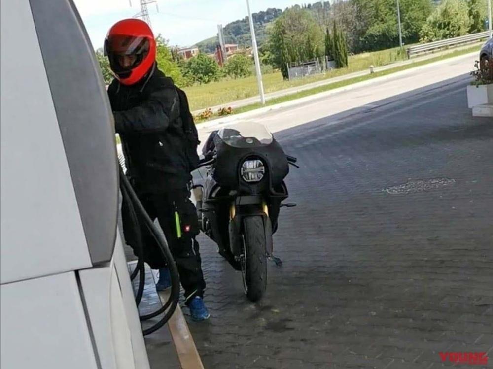 Шпионские фотографии мотоцикла Bimota KB4