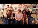 Hahaha Diyerek Şarkı Söylemek