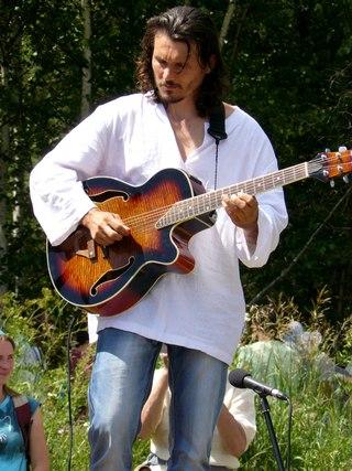 Алёне Ириной аккомпанирует Дмитрий