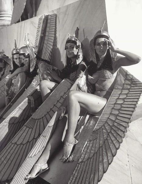 Дублерши Элизабет Тейлор, сыгравшей главную роль. 1963гCъемки фильма Клеопатра.