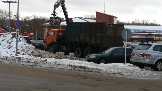 Уборка снега в Смоленске 2019 Snow removal in Smolensk 2019 · coub, коуб